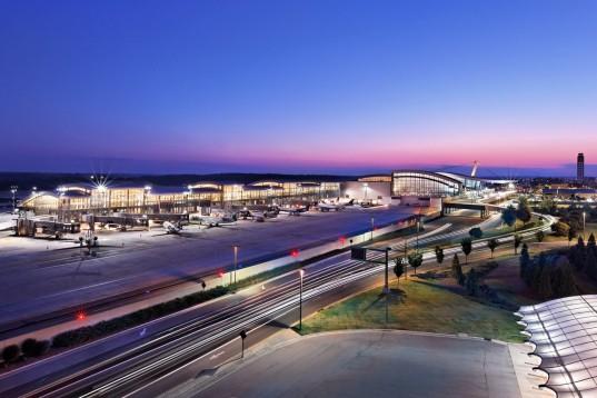Terminal 2 Fentress Architects3